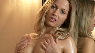 Joiful hottie with oiled body hang loose in solo erotic video