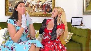 Older stockings lesbian licks