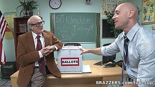 Big Tits at School: Fucking For School President!