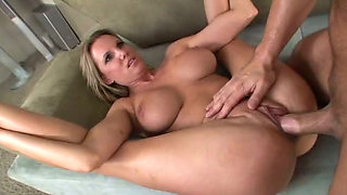 This sultry MILF loves to be aggressive during sex