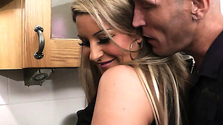 Cheating sex with blonde BBW on the kitchen