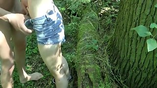girl and guy fuck in Park and cum in pussy