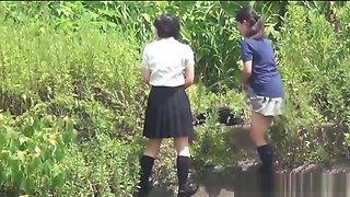 Japanese amateurs pissing
