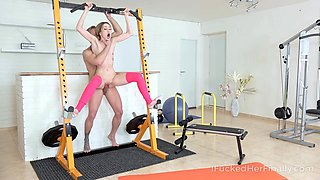 I Fucked Her Finally - Skinny cutie gets a desired satisfaction in gym