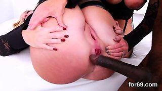 Lesbo stunners spread their tough anals and penetrate massiv