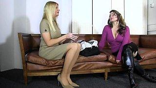 Entertaining Femdom Foot Fetish Sex