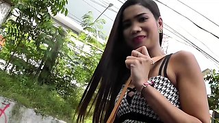 Asian filipina teen hooker can buy food in super market