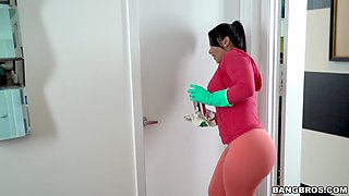 rose monroe in leggings cleans the kitchen and shows her ass
