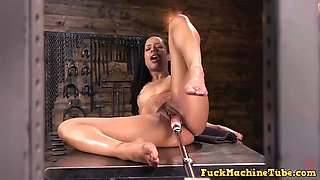 Athletic ebony sexkitten kira noir gets an anal machine fucking with giant