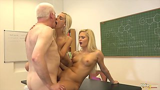 College Students - Fuck Their Professor In Classroom Hard