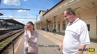 HUNT4K. Man watches how his lassie sucks strangers dick for cash