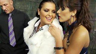 Slut gets fingered while she licks brunette's wet cunt