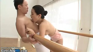 Tiny japanese dancer has sex