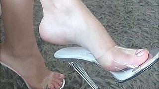 Hot foot fetish wife dangling mules