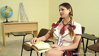 Horny College Babe Gets A Big Nasty Facial From Her Teacher