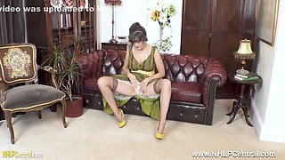 Kate Anne In Brunette Natural Big Boobs Masturbates In Rare Nylons And Heels
