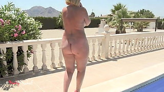 Slave Milf Hotwife Auctioned For Bulls