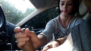 Car handjob (julia)
