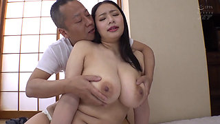 Japanese curvy woman