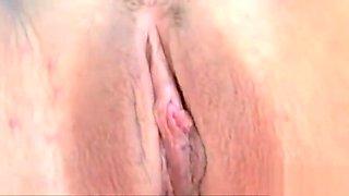 Fetisch Model Jewell Marceau masturbiert in ihrem sexy Latex
