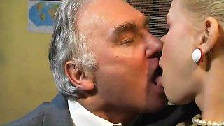 Kissing Couples Italian Style
