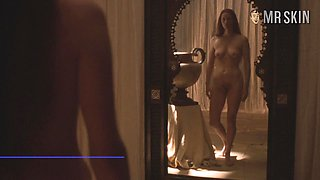 Hollywood babe Jamie Lee Curtis has a pair of adorable titties