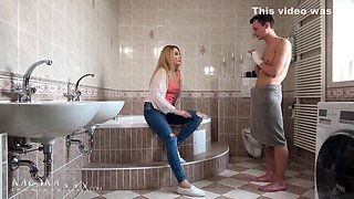Horny Blonde Milf Dayna Ice Bathroom Sex And With Skinny Younger Lover