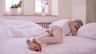 Morning Intercourse With A Eighteen Years Old Russia - 18 Years Old And Eva Elfie