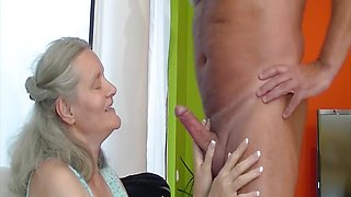 Frisky 72 years old mom fucked by grandpa