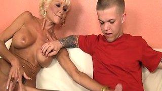 Busty mature tugs midgets dick till cumshot