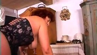 DOUBLE FIST ANAL-VAGINAL FOR A SUBSMISSIVE BBW MATURE