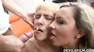 Russian bisexuals sucking and licking each other to orgasm