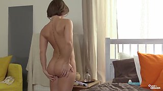 Shaved pussy seduction