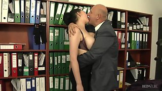 Secretary With Huge Natural Boobies Makes Her Boss Naughty
