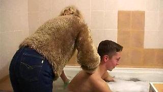 Mom, get in the bathtub...