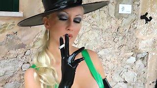 Lady sexy smk latex