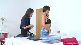 Erotic lesbial kissin and fucking with a strapon - Miky Fox