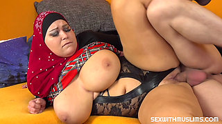 Horny husband wants great blowjob from his BBW wife