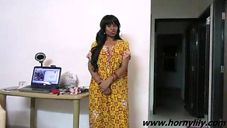 Mumbai Maid Seducing Her Fans Jerking Him Off