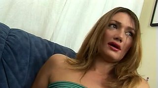 Lea di Leo craving for a rough double penetration