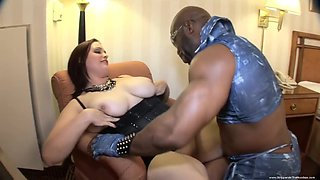 Super Steamy White Big Phat Babe Have Sex - Interracial Porn