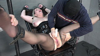 Big boobs and a fuck saw