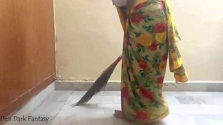 Apni Maid Ko Lalach Dekar Khoob Choda Malik Ne Uski Gand ko