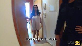 LAW4k. Debtor should watch how policeman screws his hot GF Chloe Lamur