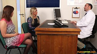 Doctor Gets A Blowjob With Lissa Love
