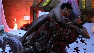 Indian Aunty ke Sath Pahli raat par ghapa ghap sex aise karen