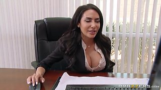 Lela Star Horny Boss At The Office