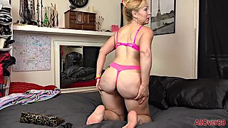 Nasty Mature Granny Plays With Her Toys - Homemade Porn