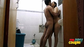 Indian Couple Gets Steamy In The Shower