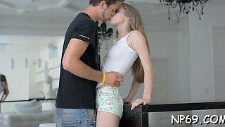 Sex appeal blonde beauty kortny desires deep penetration